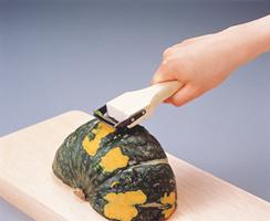 かぼちゃの皮も簡単に剥けます。