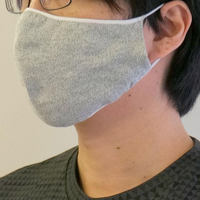 「かおをつつむ」のびるニットマスク